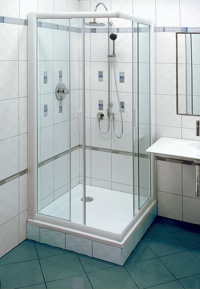Душевой уголок в ванной